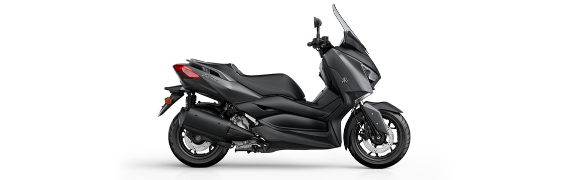YAMAHA X-MAX 300 01
